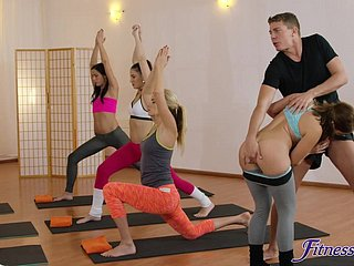 Blistering yoga run through fucked Amy White-hot & Yenna Blacklist fro a difficulty gym